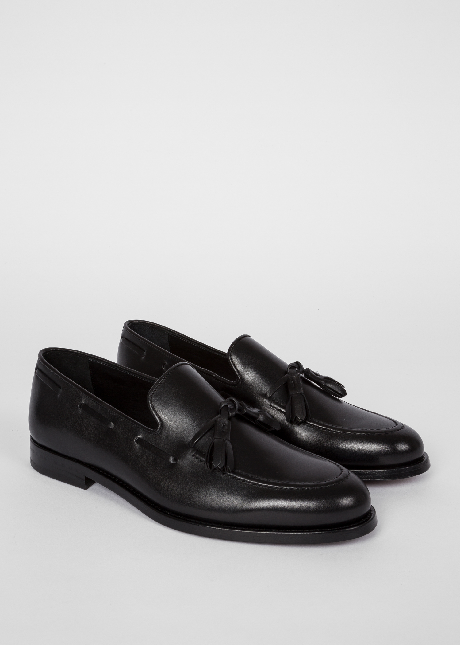 879eaa978c3 Angled side view - Men s Black Leather  Larry  Tasseled Loafers Paul Smith