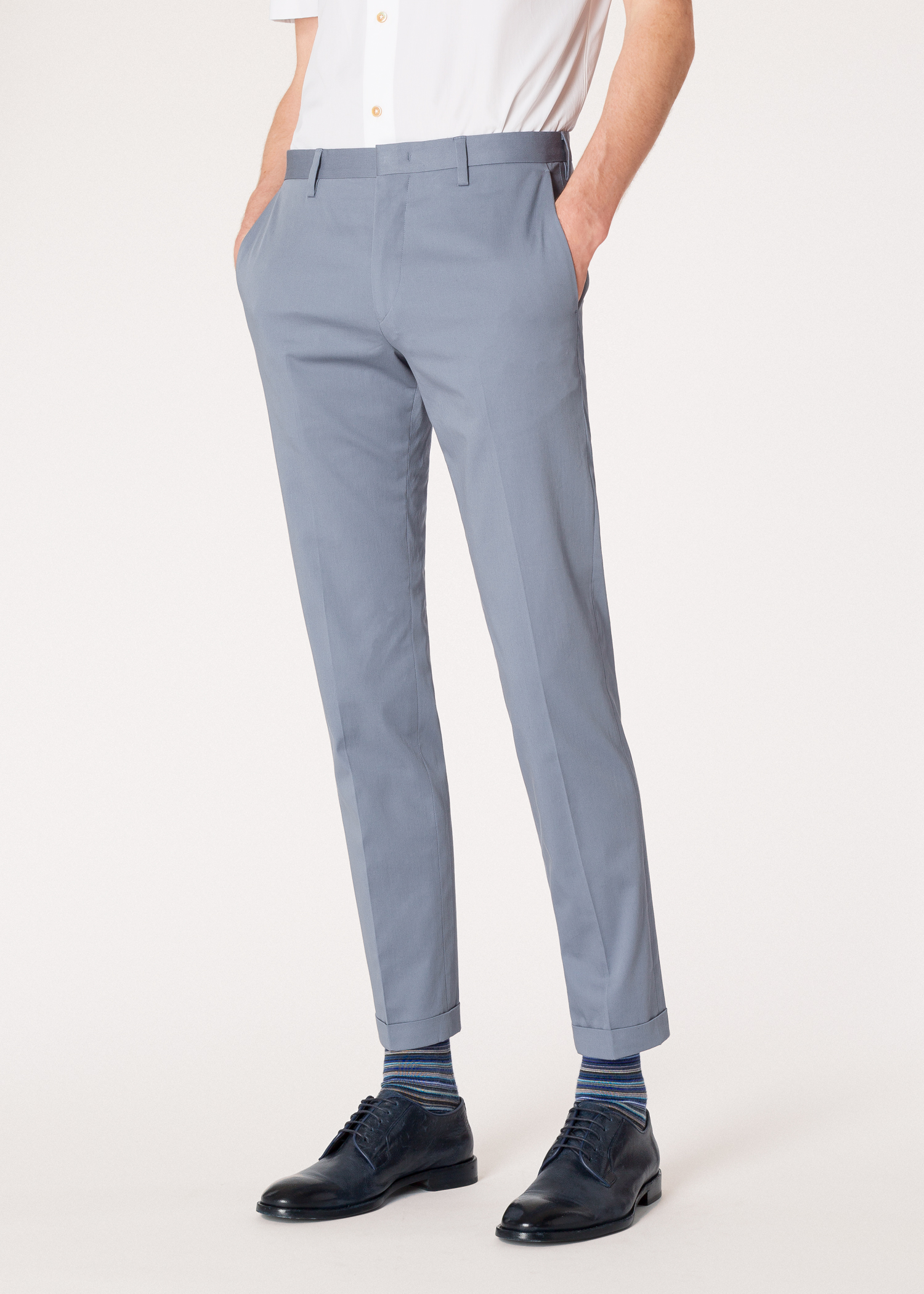 Pantalon Homme Bleu Clair En Coton Stretch Coupe Slim. Men s Slim-Fit Light  Blue Stretch-Cotton Trousers ad1a47e76909