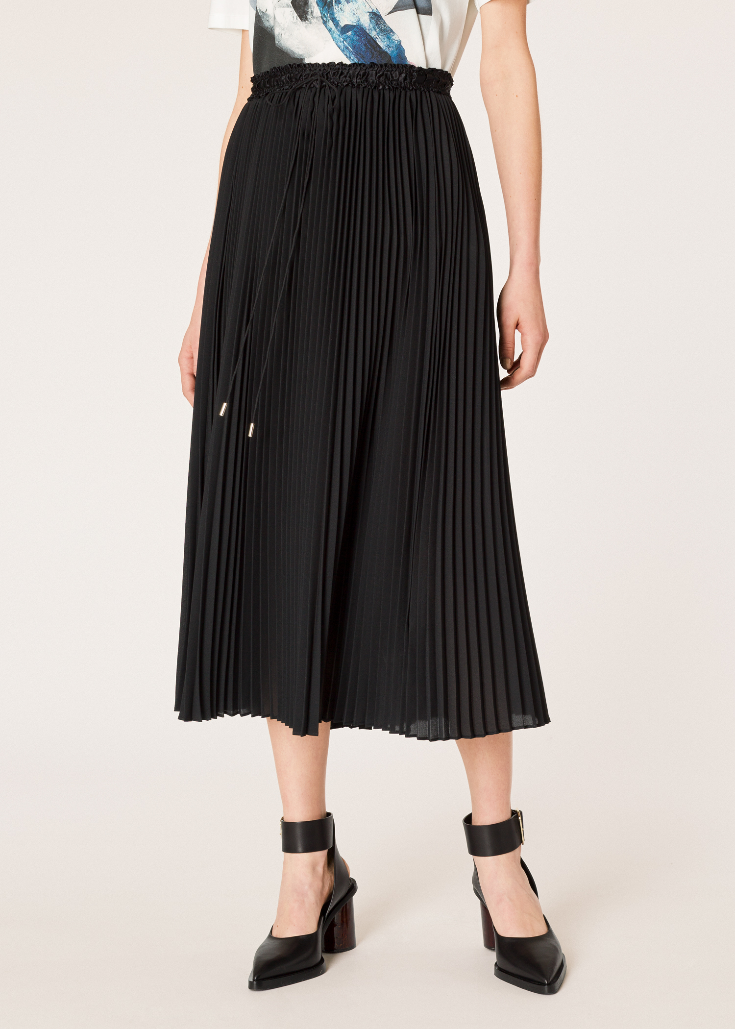 c1b520ca7c Model front close up - Women's Black Pleated Midi Skirt Paul Smith