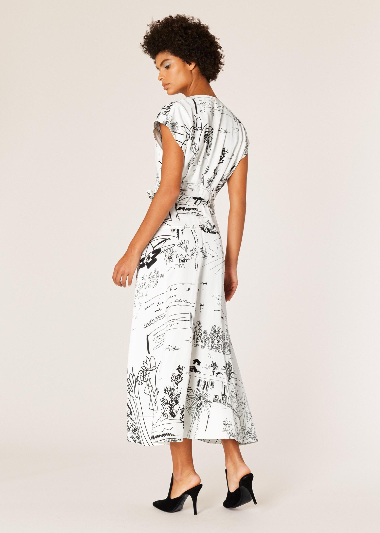 efb63700d3a Model back view - Women s Black And White  Journal  Print V-Neck Linen