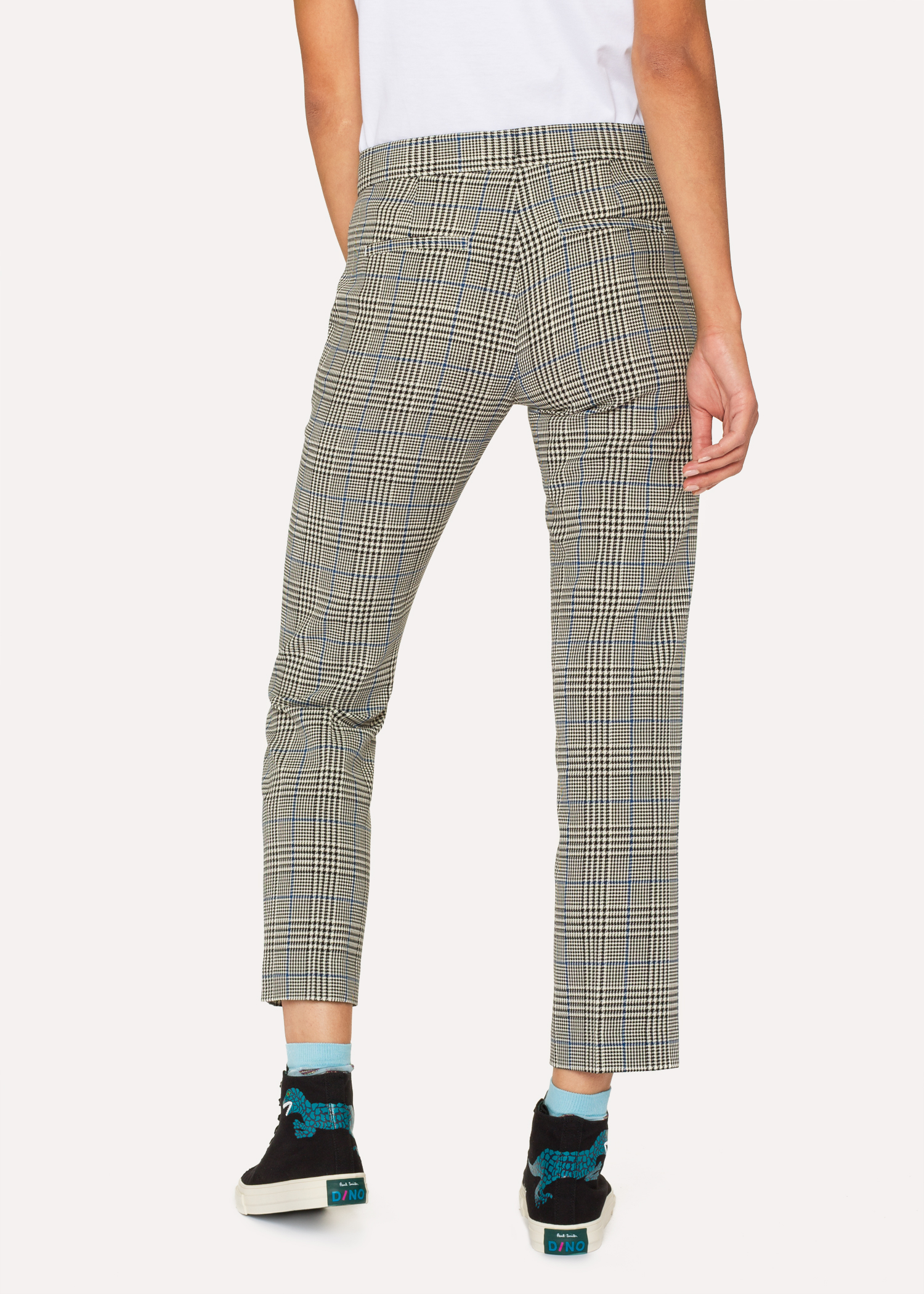 d3258fef2d68c Pantalon Femme À Carreaux Noirs Et Blancs Et Rayures Bleues Coupe Slim Paul  Smith